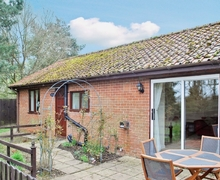 Snaptrip - Last minute cottages - Tasteful Bury St Edmunds Cottage S17854 -