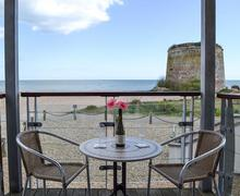 Snaptrip - Last minute cottages - Charming Eastbourne Apartment S80169 -