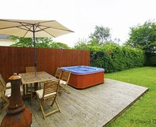 Snaptrip - Last minute cottages - Inviting Braunton Cottage S80302 - Perfect outdoor entertainment area for summer evenings