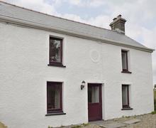 Snaptrip - Last minute cottages - Quaint Newcastle Emlyn Cottage S80481 -