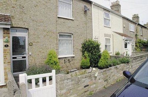 Snaptrip - Last minute cottages - Adorable Lowestoft Cottage S17946 -