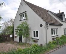 Snaptrip - Last minute cottages - Wonderful Cinderford Cottage S80702 -