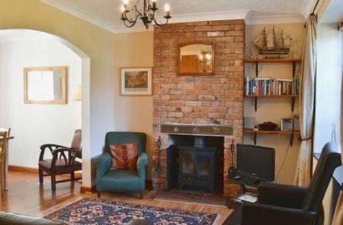 Snaptrip - Last minute cottages - Splendid Lowestoft Cottage S17959 -
