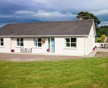 Snaptrip - Last minute cottages - Cosy Kilmacthomas Cottage S80826 -