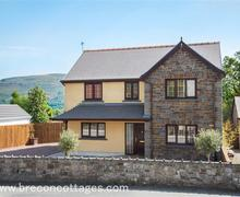 Snaptrip - Last minute cottages - Stunning Cwmtwrch Uchaf Cottage S80906 - Ty Glyndwr Web Jpegs--2