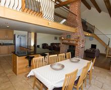 Snaptrip - Last minute cottages - Lovely Sculthorpe Cottage S71295 -