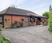 Snaptrip - Last minute cottages - Superb Stowmarket Cottage S18021 -