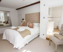 Snaptrip - Last minute cottages - Captivating Thornham Cottage S71111 -
