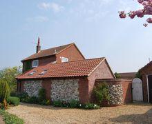 Snaptrip - Last minute cottages - Splendid Brancaster Cottage S71065 -