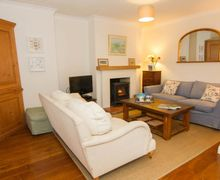 Snaptrip - Last minute cottages - Tasteful Burnham Overy Staithe Cottage S73045 -