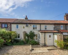 Snaptrip - Last minute cottages - Cosy Trimingham Cottage S81078 -