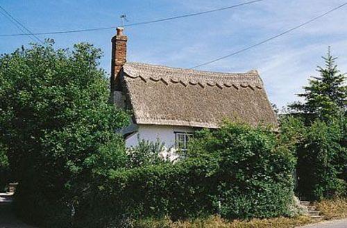 Snaptrip - Last minute cottages - Splendid Sudbury Cottage S18049 -
