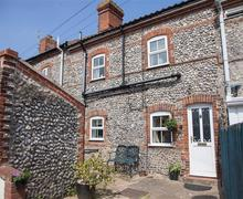 Snaptrip - Last minute cottages - Inviting Cromer Cottage S71063 -