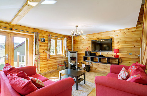 Snaptrip - Last minute cottages - Attractive Knighton Lodge S1500 - Living area