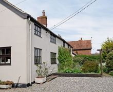 Snaptrip - Last minute cottages - Attractive Woodbridge Cottage S18091 -
