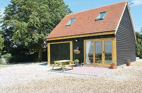 Snaptrip - Last minute cottages - Excellent Colchester Lodge S18103 -