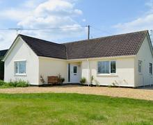 Snaptrip - Last minute cottages - Delightful Chippenham Cottage S81124 -