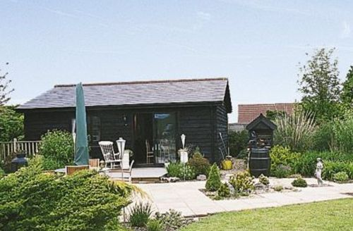 Snaptrip - Last minute cottages - Captivating Maldon Cottage S18128 -