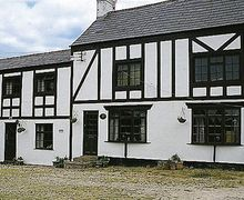 Snaptrip - Last minute cottages - Adorable Chester Cottage S18143 -