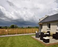 Snaptrip - Last minute cottages - Stunning Sturminster Newton Barn S81320 -