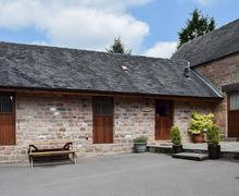 Snaptrip - Holiday cottages - Luxury Leek Cottage S81345 -