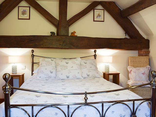 dating leek staffordshire Wilkes head leek, staffordshire share: worth friendly lived-in three-room local dating from the early 18th c the good pub guide 2018.