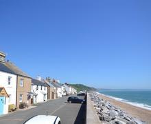 Snaptrip - Last minute cottages - Adorable South Devon Beesands Cottage S81368 - Pebbles With Sea_WEB
