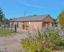Snaptrip - Last minute cottages - Wonderful Nantwich Cottage S18177 -