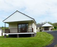 Snaptrip - Last minute cottages - Lovely Dailly Cottage S81618 -