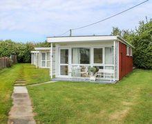 Snaptrip - Last minute cottages - Quaint Heacham Cottage S81671 -