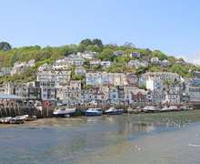 Snaptrip - Last minute cottages - Inviting West Looe Cottage S82180 -