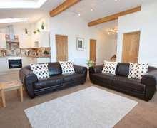 Snaptrip - Last minute cottages - Wonderful Peterville Cottage S82265 -
