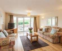 Snaptrip - Last minute cottages - Excellent Mortehoe Cottage S82369 -