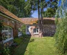 Snaptrip - Last minute cottages - Gorgeous Westward Ho! Cottage S82503 -