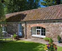 Snaptrip - Last minute cottages - Wonderful Westward Ho! Cottage S82506 -