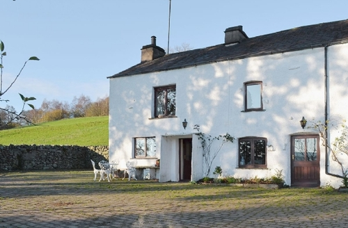 Snaptrip - Last minute cottages - Inviting Broughton In Furness Cottage S18362 -