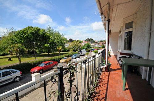Snaptrip - Last minute cottages - Quaint Paignton Rental S1528 - Entrance Terrace