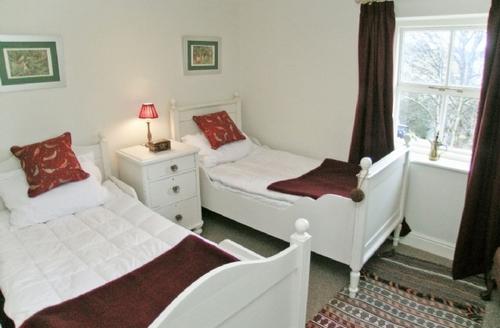 Snaptrip - Last minute cottages - Beautiful Dent Cottage S18443 -