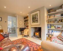 Snaptrip - Last minute cottages - Tasteful Heacham Cottage S83080 -