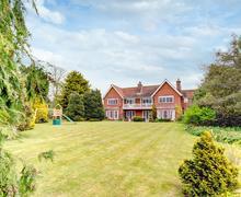 Snaptrip - Last minute cottages - Quaint Orford Cottage S83181 -