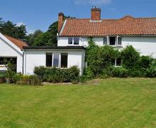 Snaptrip - Last minute cottages - Tasteful Woodbridge Cottage S83201 - nfn_img_01
