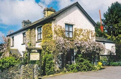 Snaptrip - Last minute cottages - Delightful Grange Over Sands Cottage S18481 -