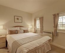 Snaptrip - Last minute cottages - Beautiful Orford Apartment S83228 - Bedroom