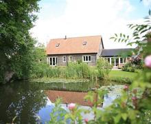 Snaptrip - Last minute cottages - Excellent Bramfield Lodge S83256 - bri6_img_17