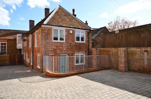 Quaint Lymington Cottage S83293