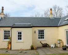 Snaptrip - Last minute cottages - Wonderful Hunters Quay Cottage S83300 -