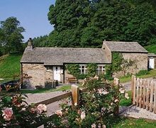 Snaptrip - Last minute cottages - Superb Hawkshead, Near And Far Sawrey Cottage S18502 -
