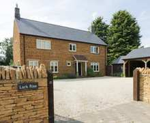 Snaptrip - Last minute cottages - Attractive Gayton Cottage S83371 -