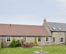 Snaptrip - Last minute cottages - Wonderful Beadnell Cottage S83400 -