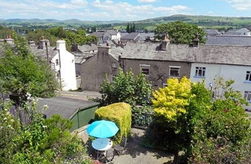 Snaptrip - Last minute cottages - Beautiful Kendal And Lakes Gateway Cottage S18518 -